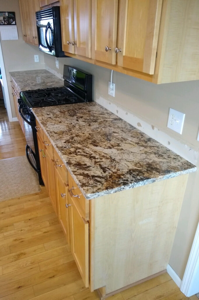 kitchen caravales gold granite